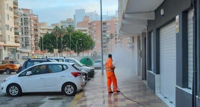 Mes i mig de desinfecció diària de carrers i edificis públics a Cullera