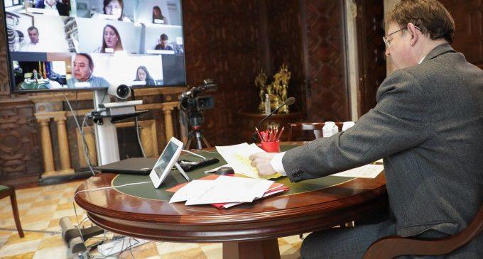 Puig trasllada als grups parlamentaris informació sobre la situació de la pandèmia