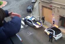 La Policía Local de Benetússer felicita el cumpleaños durante el confinamiento