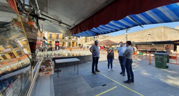 Comença el mercat extraordinari dels dimecres a Burjassot amb 12 llocs d'alimentació i productes de primera necessitat