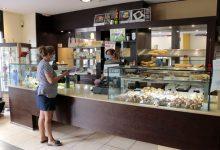 A Puçol, pocs bars oberts en la primera semana