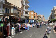 El mercat al carrer de Carcaixent reprén la seua activitat amb normalitat