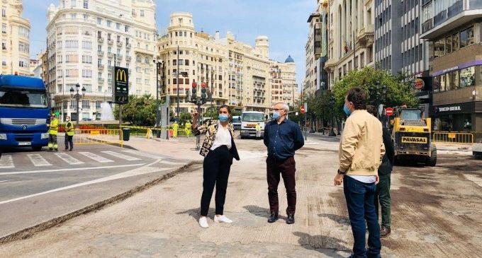"""Arranquen les obres en la plaça de l'Ajuntament per a la conversió en zona de vianants: """"Ja no manaran els cotxes"""""""