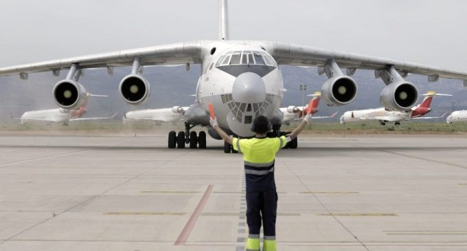 Arriba el dinové avió de la Xina noliejat per la Generalitat amb material sanitari