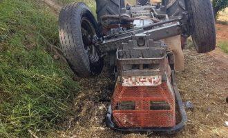 Mor un home atrapat després de bolcar el seu tractor a Rafelguaraf