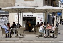 """València invita a los turistas a volver y """"dejar el modo sofá y balcón"""""""