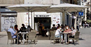 Todos los bares de la Comunitat Valenciana tendrán que cerrar a las cinco de la tarde