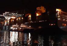 Arriba al port de València el primer vaixell amb material de la Xina: cent llits i tres milions de guants