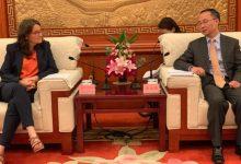 Oltra agradece a la región de Sichuan el envío gratuito de material de protección sanitaria