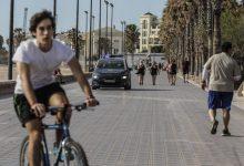 València registra diez denuncias en la primera mañana de paseos y deporte