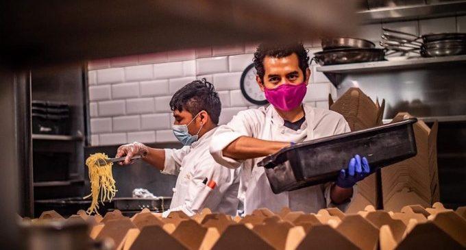 84 racions de menjar durant 12 dies: Benimaclet i World Central Kitchen es bolquen amb les persones més vulnerables