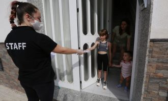 Gandia inicia el reparto de 8.000 mascarillas para niños y niñas de 3 a 12 años