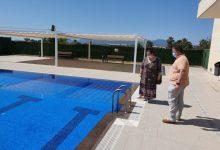Sueca abre la piscina descubierta tras arreglar las deficiencias que presentaba en su inauguración por el anterior gobierno municipal