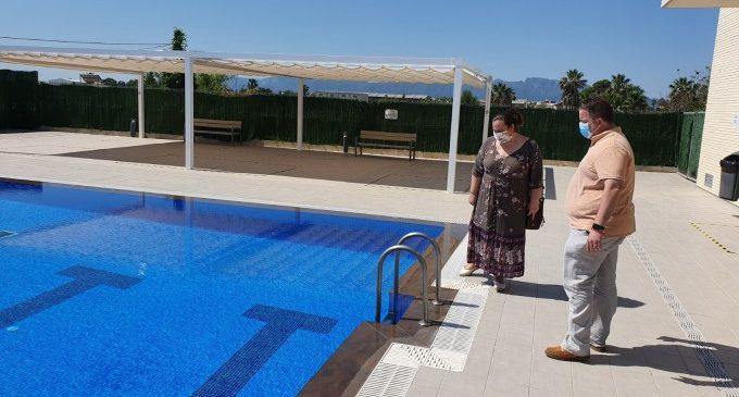 Sueca obri la piscina descoberta després d'arreglar les deficiències que presentava en la seua inauguració per l'anterior govern municipal