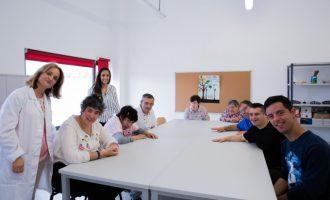 El Centre Ocupacional de Mislata reobri després d'un període d'assistència psicològica online a les persones amb discapacitat