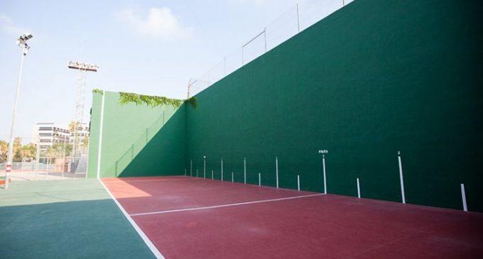 El Poliesportiu Municipal de Burjassot obri la seua instal·lació i ja es pot jugar a frontenis, pàdel i tenis en modalitat de dobles
