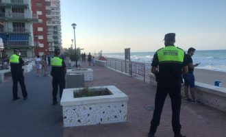 La Policia Local de Sueca salva la vida a un home de 55 anys al Perelló