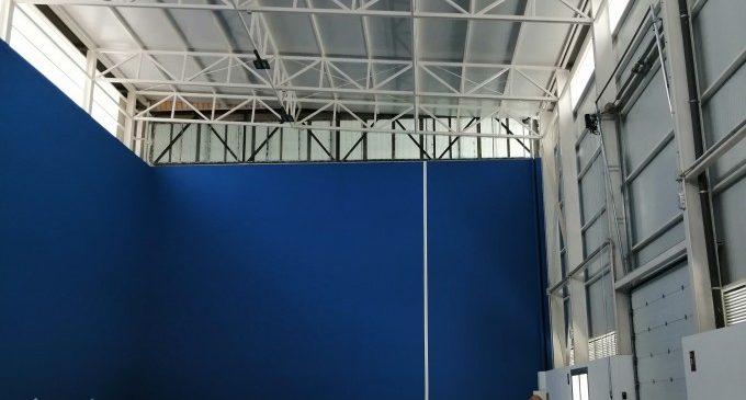 Recta final de les obres de cobertura i tancament del fronbtó del Poliesportiu Municipal d'Almussafes