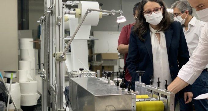 Oltra destaca 'el esfuerzo de las empresas valencianas por readaptar su producción y hacer frente a la crisis sanitaria de la COVID-19'