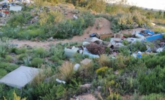 Dos abocadors d'amiant a una zona natural de Picassent posen en risc l'ecosistema