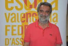 """Natxo Badenes, president de Escola Valenciana: """"el plurilingüismo es la única enseñanza que garantiza un mejor aprendizaje"""""""