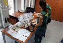 Desarticulada una xarxa a Albal dedicada al tràfic de drogues i que fabricava mascaretes sense garanties