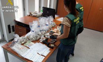 Desarticulada una red en Albal dedicada al tráfico de drogas y que fabricaba mascarillas sin garantías