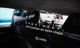 Cabify instal·la mampares protectores en tots els seus VTC