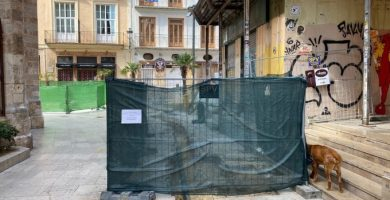 """Pimes del centre històric denuncien que les obres """"bloquegen"""" la seua activitat en plena crisi"""