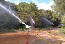 Bombers inicien una campanya de maniobres de prevenció contra incendis a la Devesa