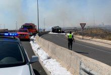 Heridos dos guardias civiles al adentrarse en un camión en llamas para rescatar al conductor