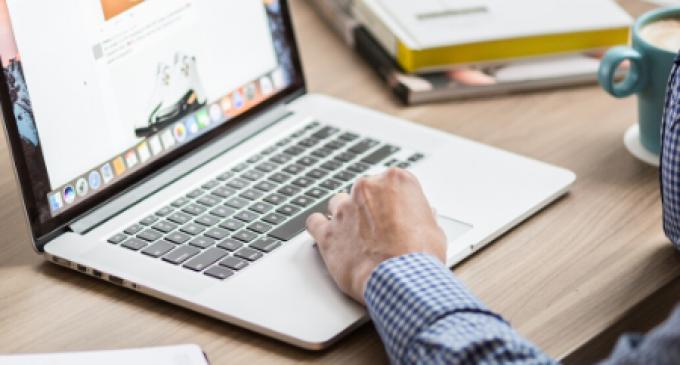 Fundació Caixa Ontinyent llança un programa de webinars per a gestionar l'economia personal utilitzant els nous mitjans online