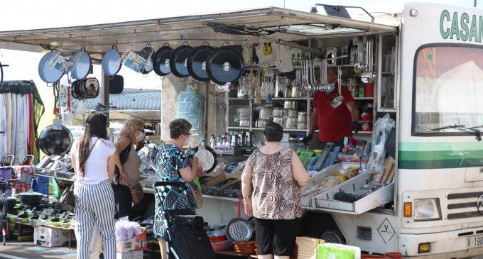 Quart de Poblet reabre el mercado ambulante con nueva ubicación y control digital de aforo
