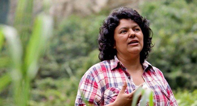 El Ayuntamiento pondrá el nombre de la activista medioambiental Berta Cáceres a un jardín de la ciudad próximo a la Avenida Blasco Ibáñez