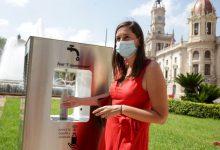 El Ayuntamiento instala tres fuentes de agua filtrada y refrigerada para promocionar el agua del grifo