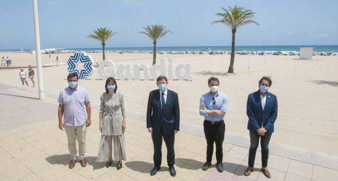 La platja de Gandia, referent en sostenibilitat i seguretat per les banderes de qualitat i 'La Morada'