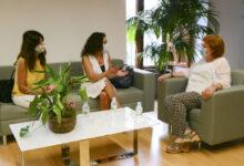 Reunión con la delegada del gobierno para tratar las amenazas del comandante de la Guardia Civil a la alcaldesa, Isabel Martín