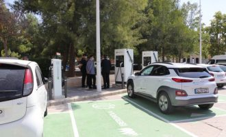 Iberdrola posa en marxa tres punts de recàrrega per a vehicles elèctrics a Llíria