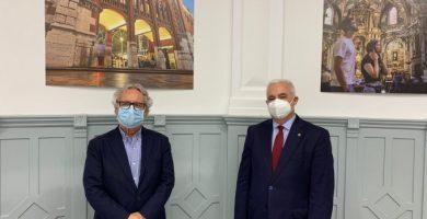El Ayuntamiento firma un nuevo convenio con los administradores de fincas para la gestión de plagas urbanas