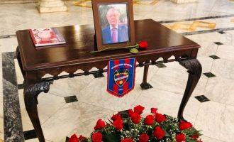 L'Ajuntament de València obri en el Saló de Cristall el llibre de condolences en record de l'edil Ramón Vilar