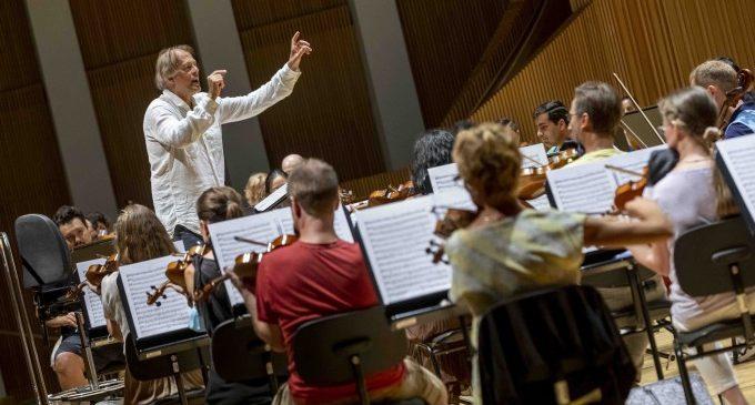 La Orquestra de la Comunitat Valenciana ofrece su primer concierto sinfónico en la nueva normalidad
