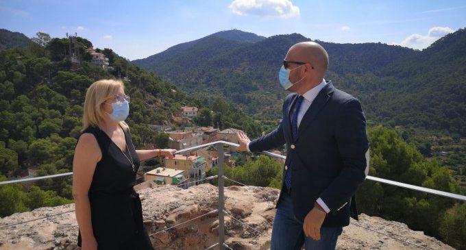Toni Gaspar visita Serra i les obres de recuperació del patrimoni monumental i el poliesportiu