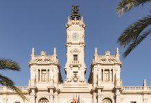 València amplia el contracte de teleassistència i acaba amb la llista d'espera