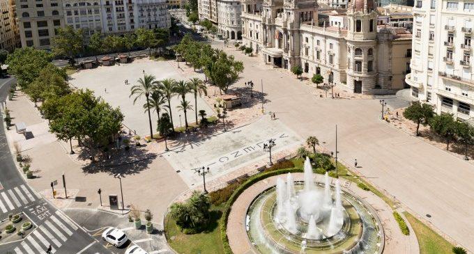 La nueva plaza del Ayuntamiento de València en imágenes