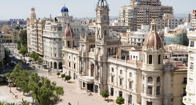 52 personas se incorporan a trabajar en el Ayuntamiento de València con el plan de empleo municipal