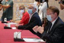 L'alcalde de València, Joan Ribó, signa l'Acord de Reconstrucció de la Comunitat Valenciana