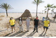 La platja de Gandia exhibeix una escultura d'arena del Palau Ducal