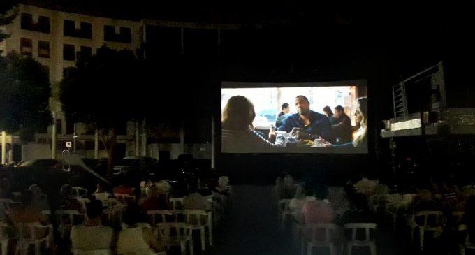 Un final de pel·lícula en Cinema a la plaça de Torrent