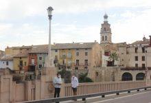 Ontinyent finalitza les obres de reposició dels fanals artesanals danyats al Pont de Santa Maria