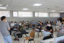Jorge Rodríguez acorda amb els directors dels centres la incorporació progressiva de l'alumnat d'Ontinyent al nou curs escolar